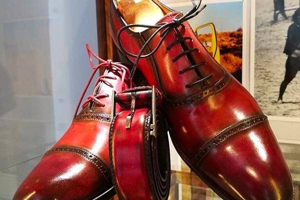 Chaussures et bottes créées à la main